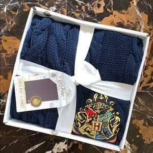 Harry Potter Hogwarts Logo Cable Knit Blanket ⚡️